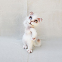 Needle Felted Toy - Meet Lucy the White Cat - Rusteam