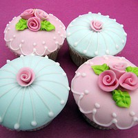 afternoon tea bridal shower / the rose garden collection couture cupcakes by peggy's cupcakes | notonthehighs