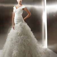 [$369.99] Ball Gown V-neck Catheral/Royal Train Organza Wedding Dress with Ruffles (Free Shipping)