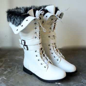 white wonderland boots with the fur