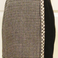 Houndstooth Skirt Vintage Skirt Vintage Clothing Black Skirt Wool Skirt Schoolgirl Skirt Tartan Skirt Plaid Skirt Teen Clothing Kilt Skirt