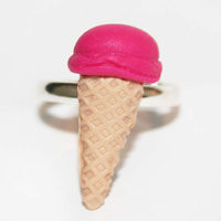 Strawberry ice-cream ring - ABATABA