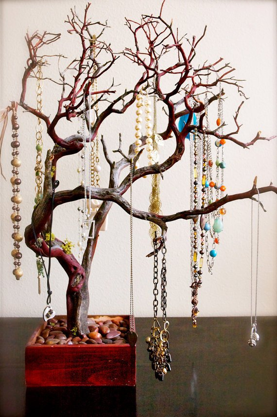 "30"" Red Jewelry Tree"