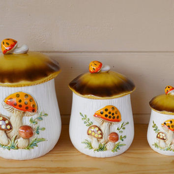 Canister set Merry Mushroom Vintage 1978 Sears Roebuck & Co. canister set (set of 3)