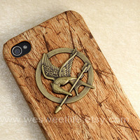 iPhone 4 case, The Hunger Games iPhone 4s case, Mockingjay pendant brown wooden case, Apple iPhone Case 4s, iPhone 4 Hard Case