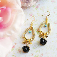 Black Rose Rhinestones Earrings. on Luulla
