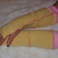 Sweater arm warmers in yellow and pink