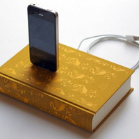 Pride &amp; Prejudice Charge Dock