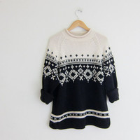 90s Snowflake sweater. Winter Christmas sweater. Black & white. Holiday sweater. / size large