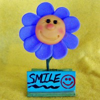 Cute Smiling Polymer Clay Flower Sculpture with Customizable Sign