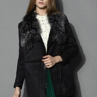 Shearling Wool Collar Matted Coat in Black