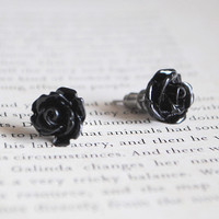 Black Rose Stud Earrings, Nickel Fr.. on Luulla