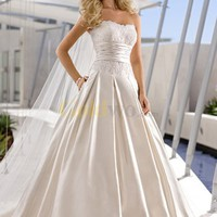 [US$258.48] A-Line Empire Waist Sweetheart Lace Satin Beach Wedding Dress