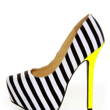 Diva Lounge Viola 02 Black Fabric Striped Platform Pumps - $33.00