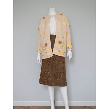 Vintage 50s Embroidered Cardigan / 1950s Cream Wool Cardigan Sweater / Mid Century Yellow Gold Brown Floral Embroidery / Medium Large M ML L