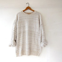 vintage oversized sweater. boyfriend sweater. loose knit slouchy pullover. basic sweater. white beige gray.