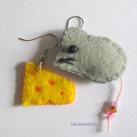 Mouse with Cheese felt earrings by handmadefuzzy on Zibbet