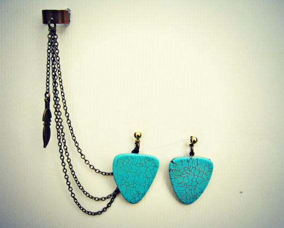 ear cuff with turquoise arrow head earrings and dangling bird, chains ear cuff, tribal ear cuff, tribal earrings, bird earrings