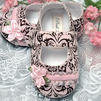 Pink2Blue&#x27;s Emma Baby Shoe /slipper/bootie 036 months by pink2blue