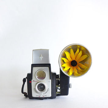 Vintage Camera Brownie Starflex Twin Lens 50s Photobooth Prop Shelfie Retro Kodak Camera Black with Silver