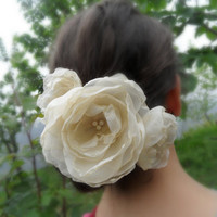 wedding accessory, champagne hair flower, wedding flower, bridesmaid, bride, the wedding, the bride, flower, hair clip,  b