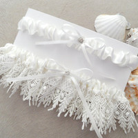 garter set,  wedding garters, bridal garters, lace garters, bride, wedding accessory, ivory garters,