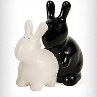 Bunny Love Salt and Pepper Shakers | PLASTICLAND