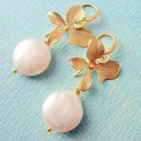 Gold Flower And Pearl EarringsBride.. on Luulla