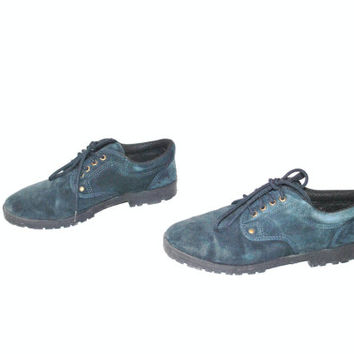 size 8 teal suede OXFORDS / vintage 80s MINIMALIST pointy toe LUG sole Nevada hiking ankle booties