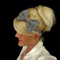 Navy blue and white chevron bow stretch headband pinup/retro/feminine