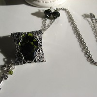 OLIVE GLASS PARCEL TRINITY SILVER NECKLACE - by GErManoArts on madeit