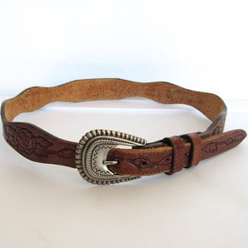 Vintage 1970s Southwestern / Boho Brown Floral Tooled Leather Belt