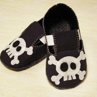 Baby Booties - Newborn, Infant, Baby Slippers, Crib Shoes, Footwear, 0 - 18 Months - Skulls and Crossbones