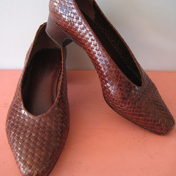 7.5 M Vintage Enzo Angiolini woven weaved genuine leather brown shoes