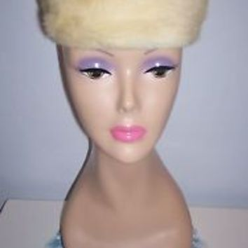 Vintage Women's Blonde Pillbox Faux Fur Dress Hat Olympic Stylemaster Size 21.5