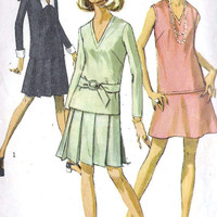 1960s Misses Two-Piece Dress with Two Skirts and detachable collar and cuffs Vintage Sewing Pattern, Simplicity 7747 bust 32.5&quot;