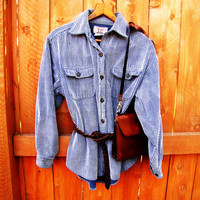 vintage denim blue button down corduroy shirt. size M.
