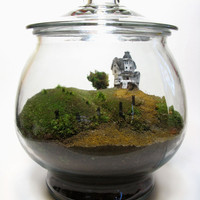 Movie Miniatures: Scale Model  Beetlejuice Terrarium