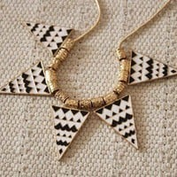 New Black&White Triangle Geometric Bib Necklace 1PCS Fashion design Unique
