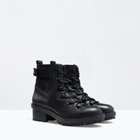 Lace-up leather bootie