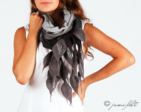 [sold out] Elegant mixed grey felted scarf