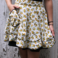 Golden Flowers Vintage 50s Apron by SucreSucre on Etsy