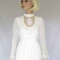 Vintage 1970s GUNNE SAX  Wedding Dress