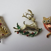 Three Goldtone Christmas Brooches - Vintage