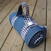 Picnic Blanket in Navy Blue White Gingham for Summer - Portable Beach Blanket  / Retro Rustic and Roomy