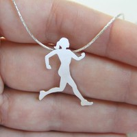 Sterling Silver Runner Neckalace Pe.. on Luulla
