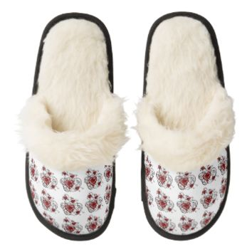 Loopy Love Heart Trellis Pair Of Fuzzy Slippers