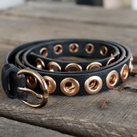 ROSE GOLD GROMMET BELT