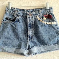 High Waisted Flower Applique Levi&#x27;s Shorts (Size 26)