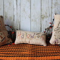 Handmade Primitive Set of 3 Halloween Pillows by stampinsk on Etsy